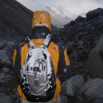 Como arrumar e escolher a mochila para escalar?