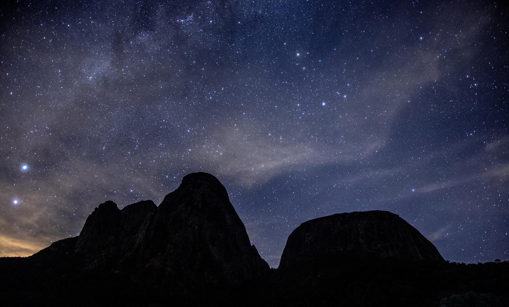 Três Picos, Nova Friburgo de noite Foto: Diego/Fotolia