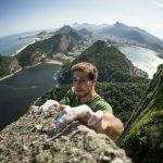 Felipe Camargo escalando o Pão de Açúcar, no Rio de Janeiro Foto: Marcelo Maragni/Red Bull Content Pool