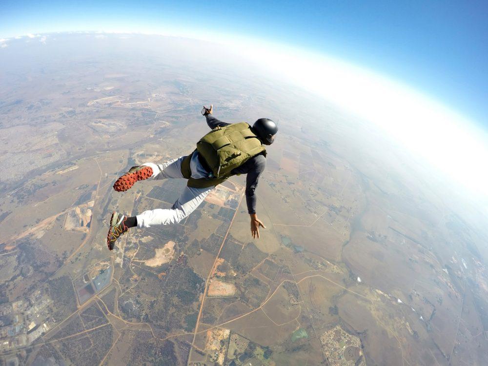 Primeiramente você deve procurar uma escola que tenha a autorização para te capacitar nesse tipo de salto Foto: Joggie Botman/Fotolia