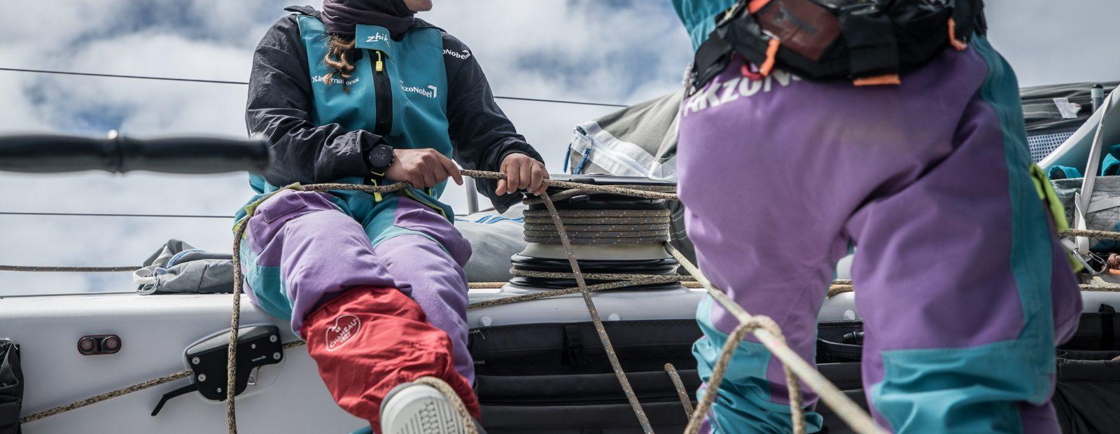 Martine Grael experimentando configurações diferentes. A equipe está com bom saldo.| Foto: James Blake/Volvo Ocean Race
