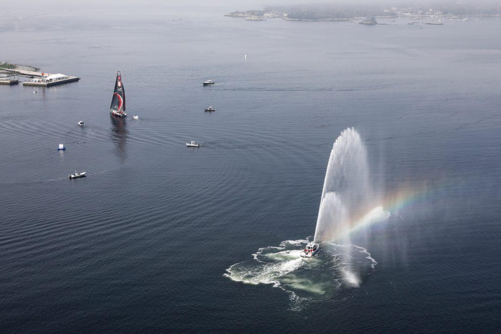 Os barcos em seu trajeto competitivo pelo globo coletaram informações sobre a poluição nos oceanos | Foto: Ainhoa Sanchez/Volvo Ocean Race