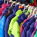 O corta-vento, o softshell e o anorak são os três tipos de jaqueta mais usados no Brasil/Foto: pholidito - Fotolia.com O corta-vento, o softshell e o anorak são os três tipos de jaqueta mais usados no Brasil Foto: Sergey Ryzhov/Fotolia