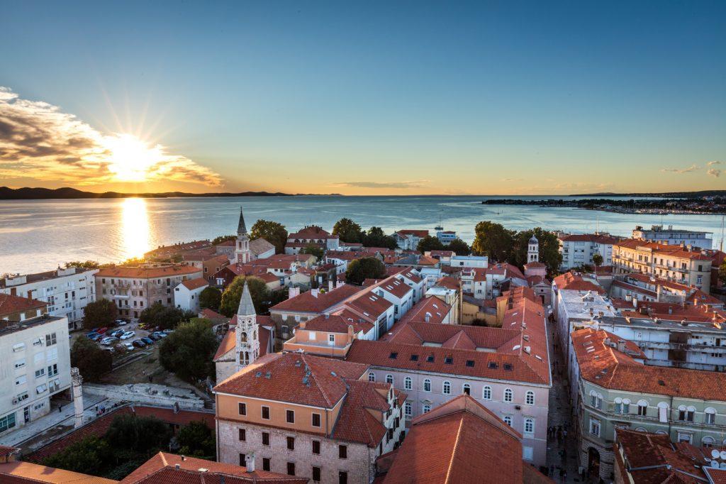 Com mais de três mil anos de história, Zadar é um dos principais destinos da Croácia. Foto: Christian Schwier/Fotolia