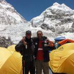 Brasileiros partem em novo ataque ao cume do Everest