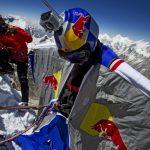 Alpinista quebra recorde de base jump em montanha do Himalaia
