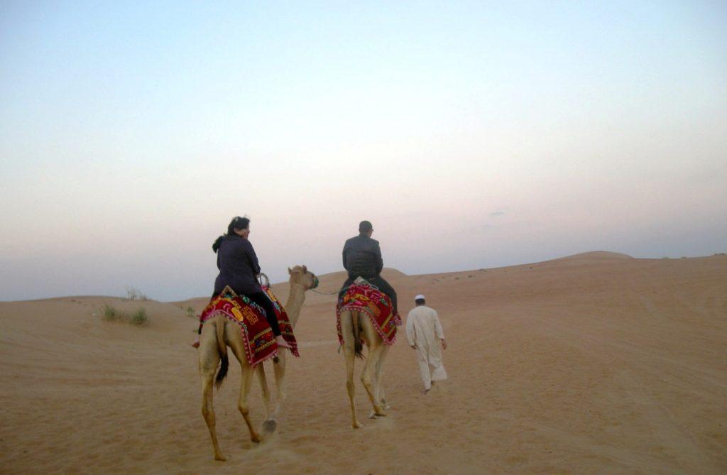 Passeio de camelo no deserto Foto: Nathalia de Melo/Aquivo Pessoal