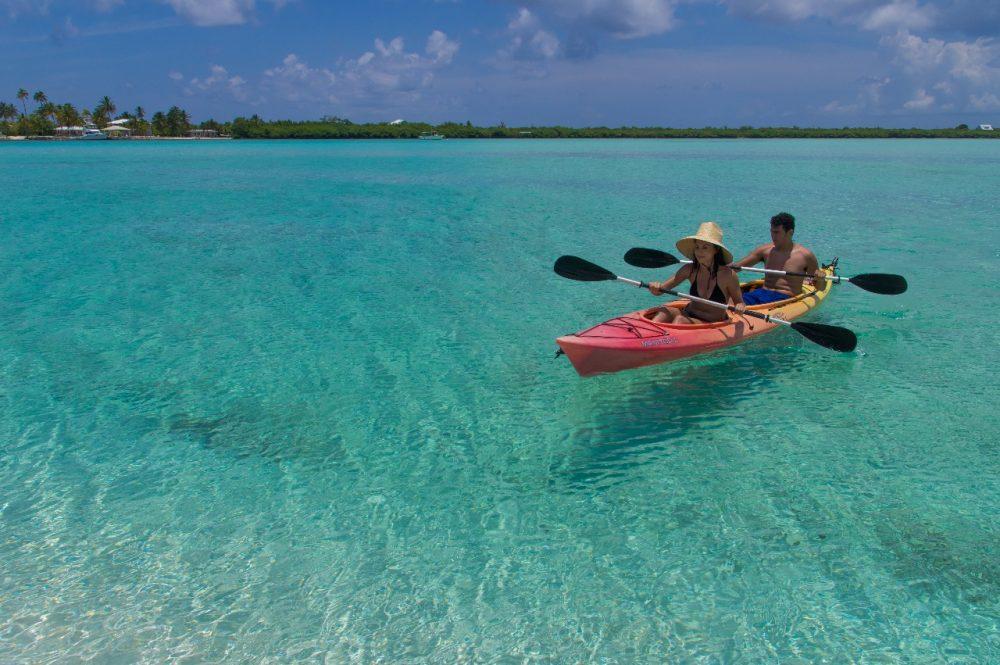 Kayak na ilha pode ser uma grande aventure Foto: Divulgação