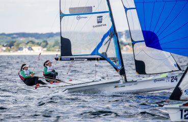Martine e Kahena em ação no mundial de Vela, na Dinamarca Foto: Sailing Energy/World Sailing