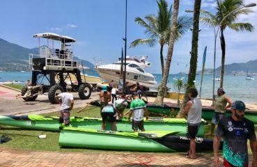 A equipe Samu He' e Nalu já está na praia de Itaquanduba. Foto: Volta de Ilhabela/Divulgação