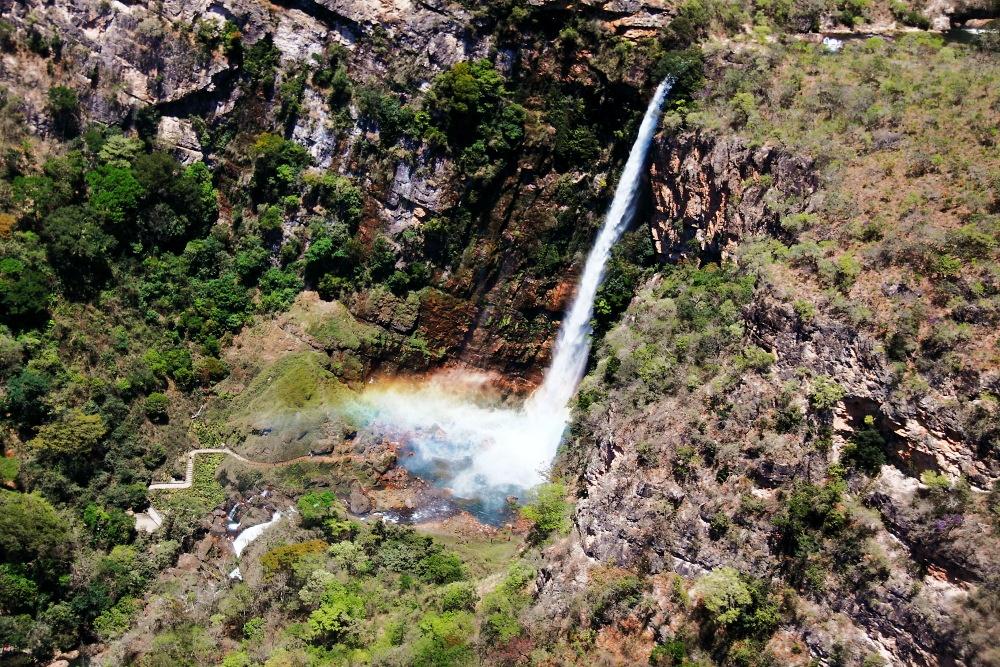 Vista aérea do Salto do Itiquira. 168 metros de queda livre, a única para visitação e terceira maior do Brasil Foto: Eduardo Andreassi