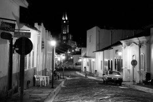 Centro histórico da Cidade de Goiás- ao fundo, torre da Igreja Nossa Senhora do Rosário. Foto: arquivo pessoal.