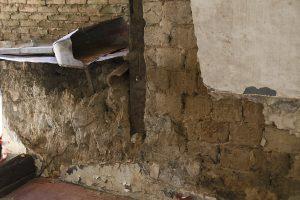 A maioria das casas do século passado são construídas de adobe ou pau-a-pique. Foto: arquivo pessoal.