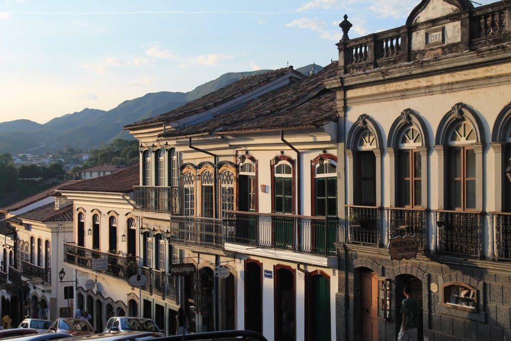 Ouro Preto exibe uma arquitetura que remete facilmente os visitantes ao passado do estado de Minas Gerais. (FONTE: Elsetge.cat)