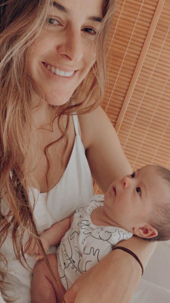 Surfistas e suas mães relatam experiência da maternidade